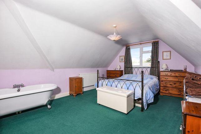 Bedroom/Bath of Bracknell, Berkshire RG12