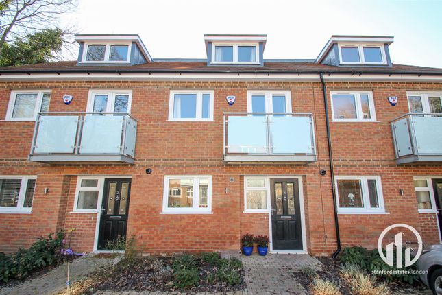 Thumbnail Property for sale in Renshaw Close, London