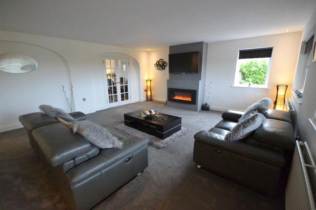 Lounge 1 of Pentlepoir, Saundersfoot SA69