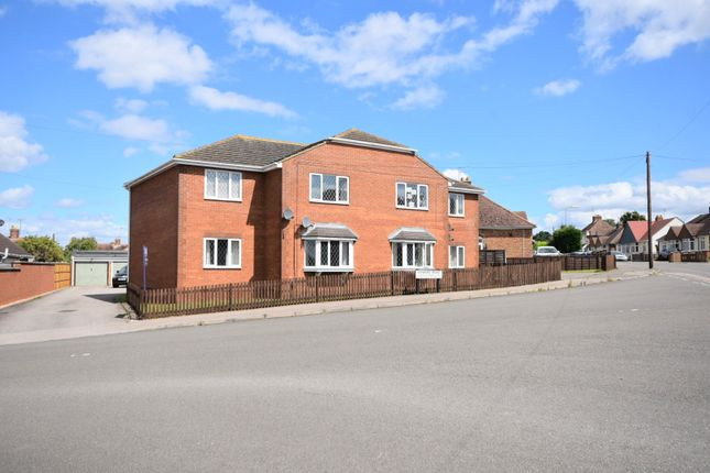 Thumbnail Flat for sale in Edward Road, Kettering