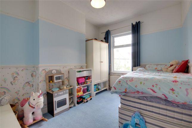 Picture No. 04 of Bertram Road, Enfield EN1