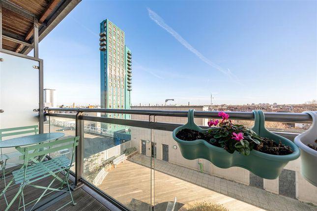 Balcony of Mapleton Road, London SW18