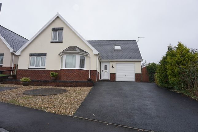 Detached bungalow for sale in Uwchgwendraeth, Drefach, Llanelli