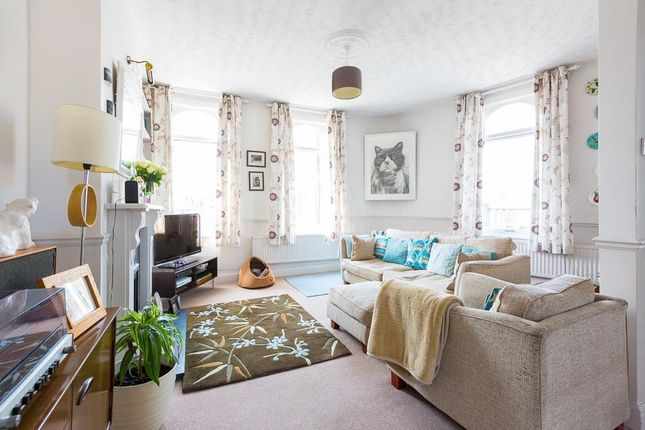 Thumbnail Flat for sale in Grove Road, London