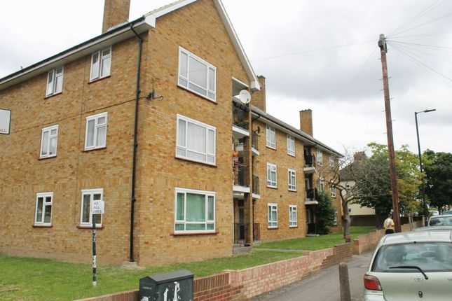 Thumbnail Flat to rent in Hillside Road, Southall