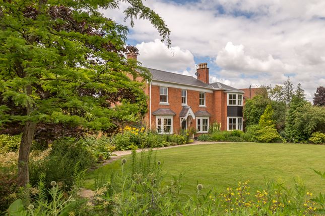 Thumbnail Detached house for sale in Old Warwick Road, Lapworth, Solihull