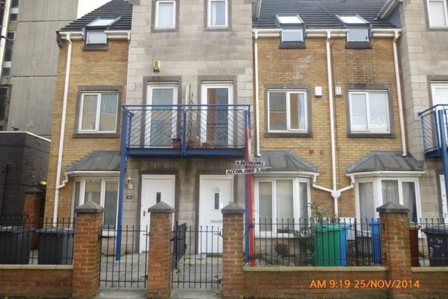 Thumbnail Town house to rent in Ellis Street, Hulme, Manchester