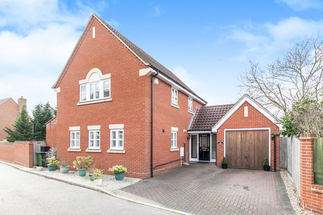 Thumbnail Detached house for sale in The Orchard, Heybridge, Maldon