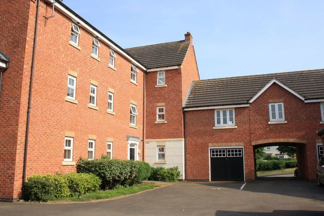 Thumbnail Flat to rent in Pitchcombe Close, Redditch