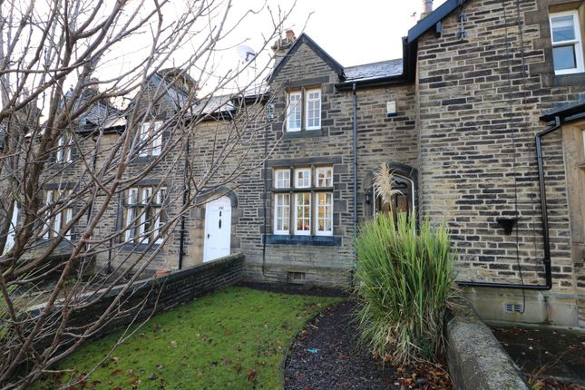 Thumbnail Cottage for sale in Wakefield Road, Lightcliffe, Halifax