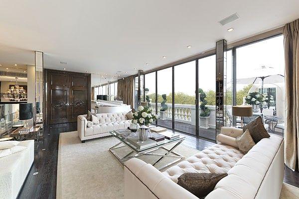 Thumbnail Flat to rent in Wellington Court, 116 Knightsbridge, Knightsbridge, London