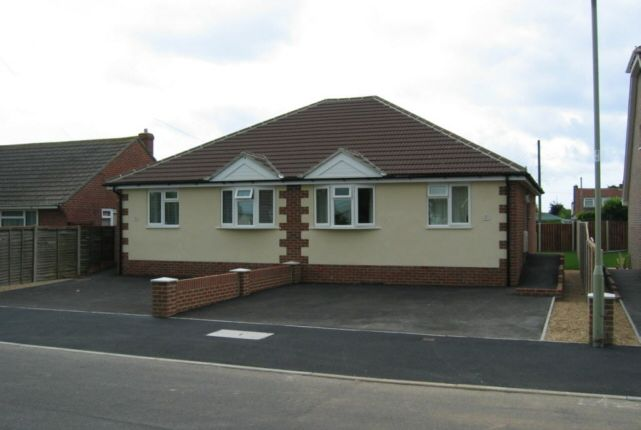 Thumbnail Bungalow to rent in Eastoke Avenue, Hayling Island