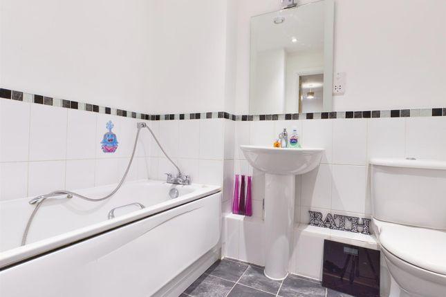 Bathroom of Winterthur Way, Basingstoke RG21