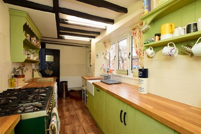 Thumbnail Cottage for sale in High Street, Findon, Worthing, West Sussex