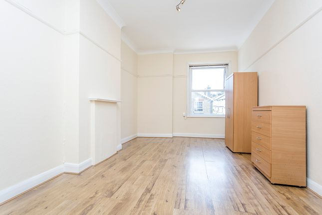 Thumbnail Flat to rent in Hendon Hall Court, Parson Street, London