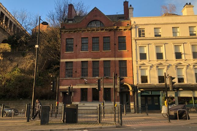 Thumbnail Leisure/hospitality to let in 12 Close, Newcastle Upon Tyne