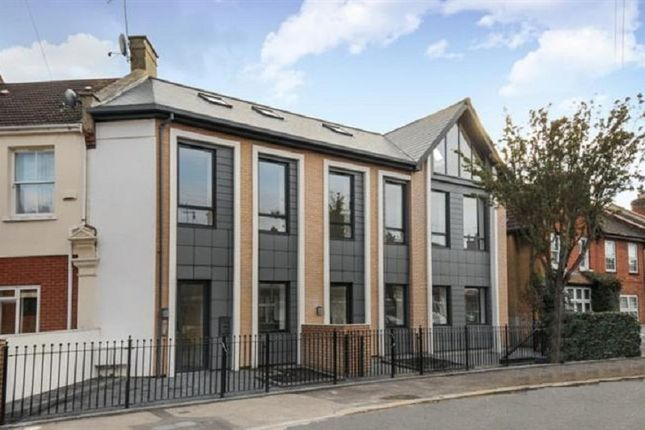 1 bed flat for sale in Willow Street, London, Greater London E4