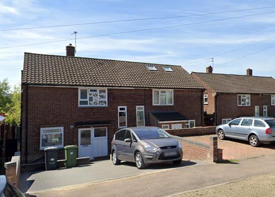 Thumbnail Property to rent in Gateshead Road, Borehamwood