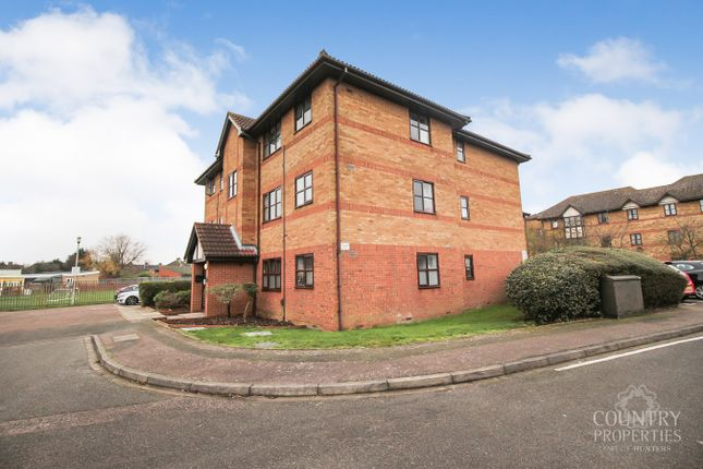 2 bed flat for sale in Redwood Grove, Bedford MK42