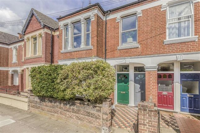 Thumbnail Flat for sale in Quinton Street, Earlsfield
