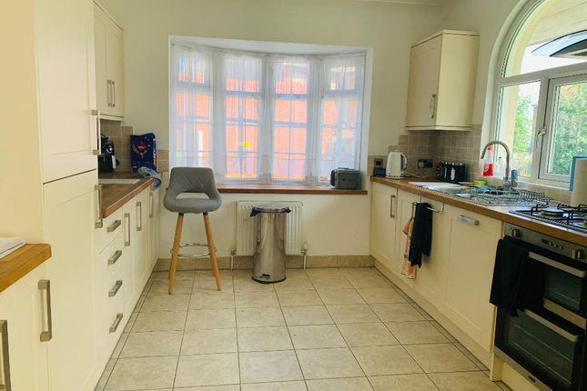 3 bed flat to rent in Everard Road, Rhos On Sea, Conwy LL28