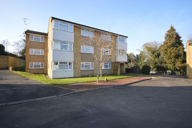 Thumbnail Flat for sale in Chenies Close, Tunbridge Wells