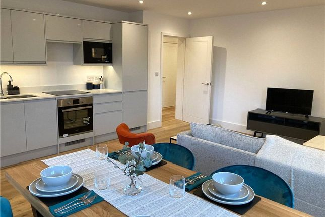 2 bed flat for sale in Ashurst Road, Tadworth KT20