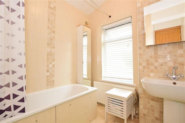 Bathroom of Farmer Road, London E10