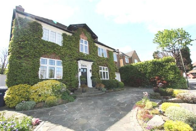 Thumbnail Detached house for sale in Golders Close, Edgware, Greater London.