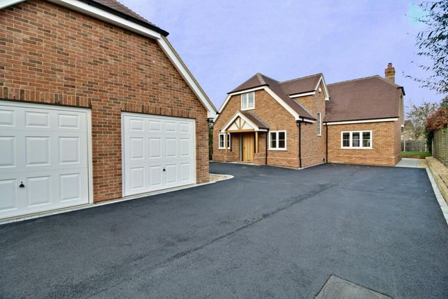 Thumbnail Detached house for sale in Wagon Lane, Hook