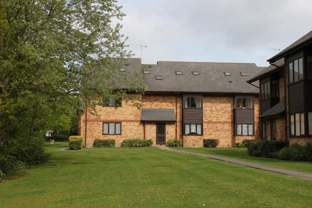 Thumbnail Flat to rent in Cavendish Gardens, St. Margarets Road, Chelmsford, Essex