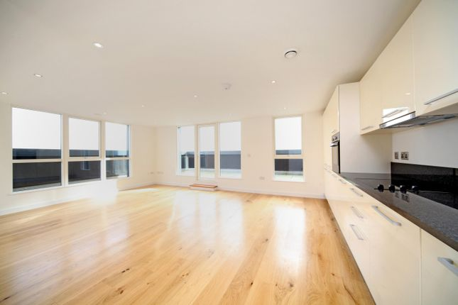 Thumbnail Flat to rent in Rivington Apartments, Railway Terrace, Slough, Berkshire