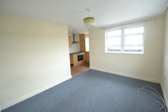 Thumbnail Flat to rent in Whitehall Road, Whitehall, Bristol