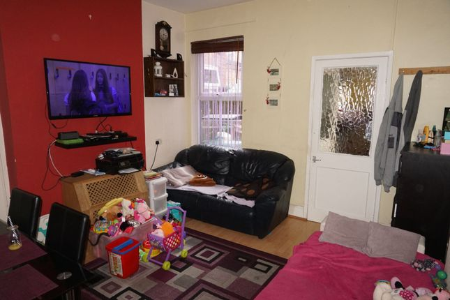 Living Room of Burford Road, Nottingham NG7