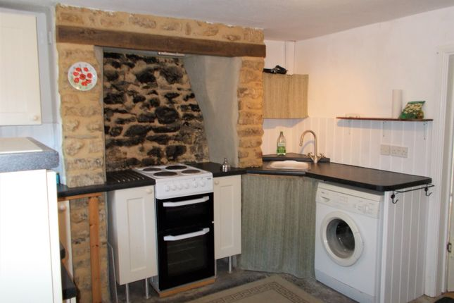 Thumbnail Cottage to rent in Oxen Road, Crewkerne