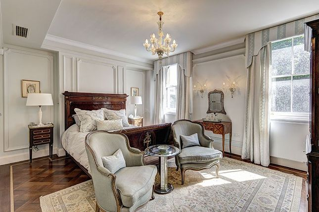 Master Bedroom of Ennismore Gardens, Knightsbridge SW7