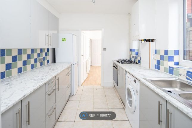 Thumbnail Terraced house to rent in Roslyn Road, Seven Sisters
