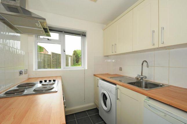 Flat to rent in Newbury, Berkshire