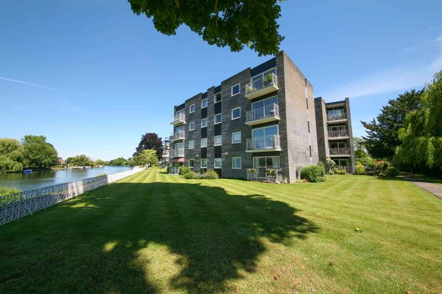 Thumbnail Flat for sale in Riverside Road, Staines