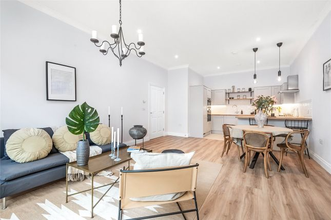 Thumbnail Flat for sale in Lambourne Road, Chigwell