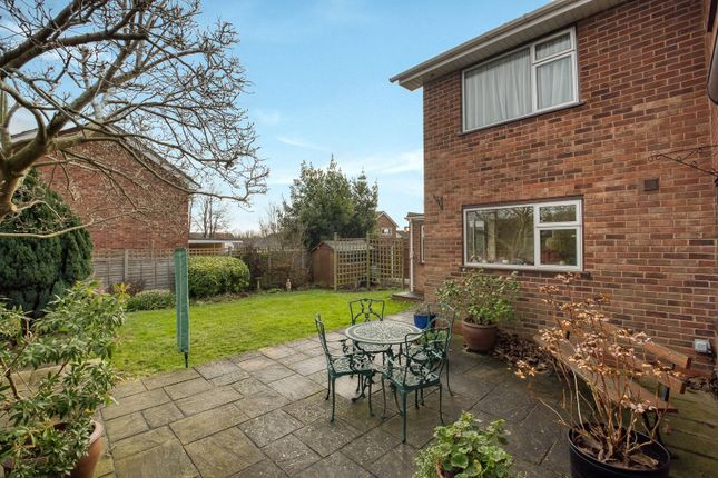 Picture No. 19 of Paddock Close, Pershore, Worcestershire WR10