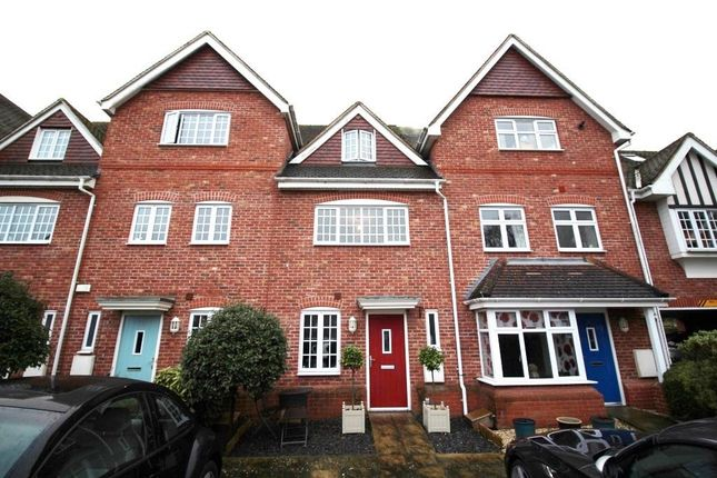Thumbnail Town house to rent in Foundry Close, Hook
