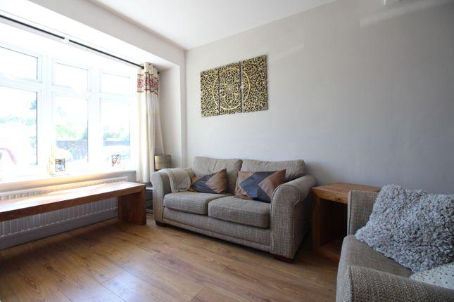 Living Room of Caenwood Road, Ashtead KT21