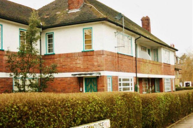 Flat to rent in Denison Close, Hampstead Garden Suburb, London