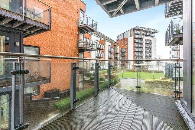 Thumbnail Flat for sale in Sirocco, Channel Way, Southampton