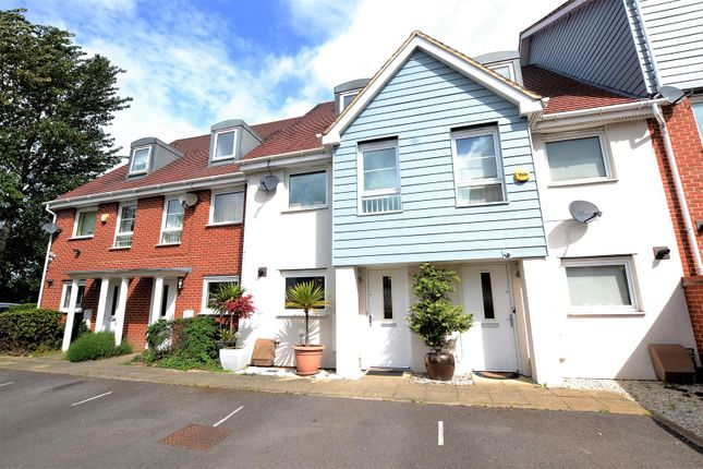 Thumbnail Property for sale in Wraysbury Drive, West Drayton