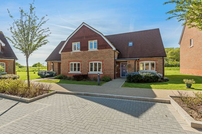 Thumbnail Semi-detached house for sale in Poplar Court, Faygate, Horsham
