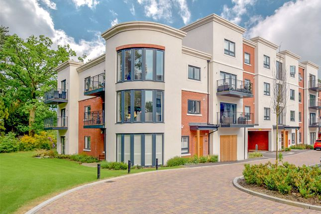 Thumbnail Flat for sale in Queens Quarter, London Road, Binfield