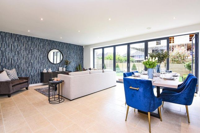 Thumbnail Town house for sale in Victoria Drive, London