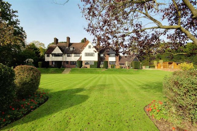 Thumbnail Property to rent in Yewlands, Hoddesdon, Hertfordshire